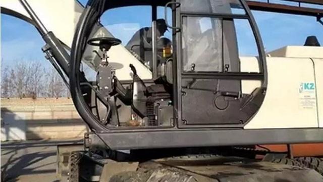 Аким Рудного взял под контроль восстановление дорог и тротуаров после коммунальных работ