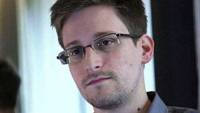 Эдвард Сноуден решил подать заявление на получение гражданства России