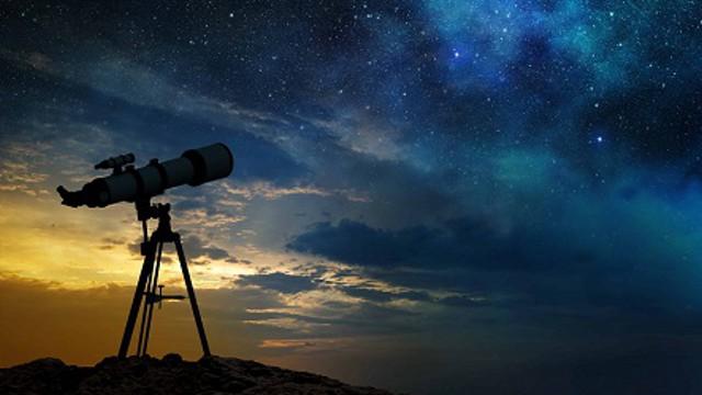 Завораживающая красота! В Сети умиляются фото космической станции на фоне бархатного Солнца