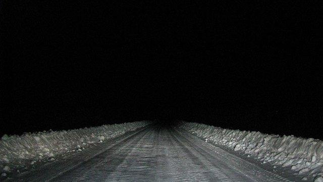 В восьми регионах Казахстана закрыты автодороги из-за метели