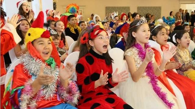Новогодние утренники в детсадах и школах в Костанайской области: Будет ли отмена?