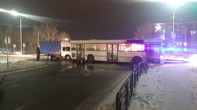 Пассажирский автобус попал в ДТП в Костанае