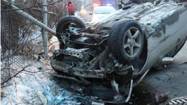 Чтобы не задавить собаку, казахстанец потерял управление и сбил девушку насмерть