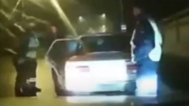 Казахстанцы рассылают видео вооруженного нападения на сотрудников полиции