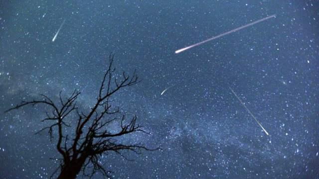 Завораживающее зрелище! Пик метеорного потока Геминиды ожидается в ночь на 14 декабря