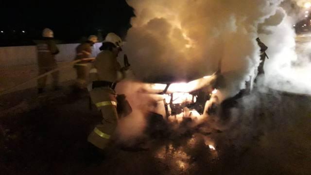 Три автомобиля сгорели в Костанайской области
