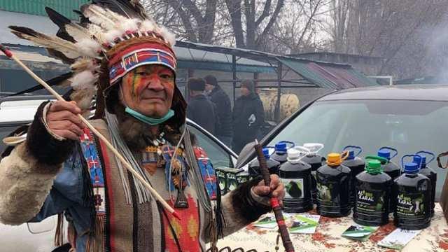 В казахстанской глубинке живёт индейский вождь Маке