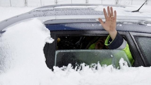 Как действовать водителю в зимнюю непогоду