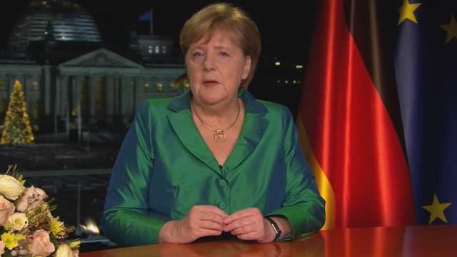 «Я ухожу»: Меркель объявила о своем уходе в стиле Ельцина
