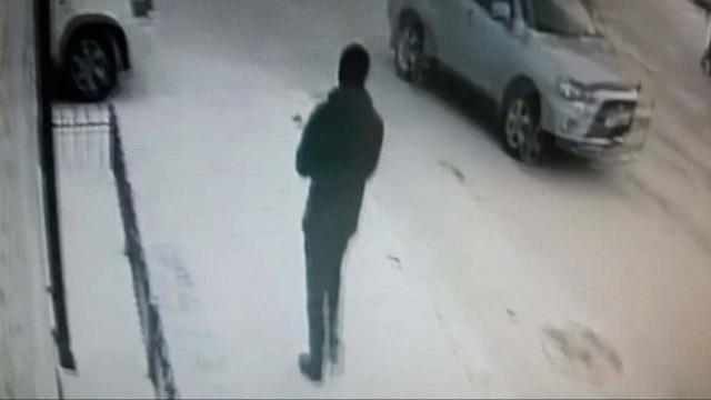 Видео: 15-летний подросток совершил два ограбления женщин в Нур-Султане