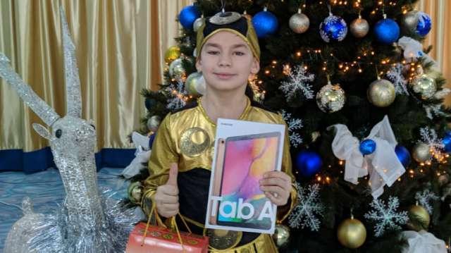 «Я сегодня очень рад!» Подарки от Токаева получили 200 деток Костанайской области