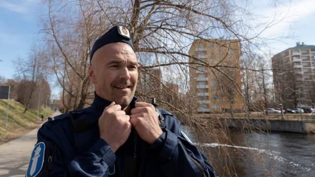 «Я люблю тебя, жизнь!» Финский полицейский побил рекорды YouTube с советской песней