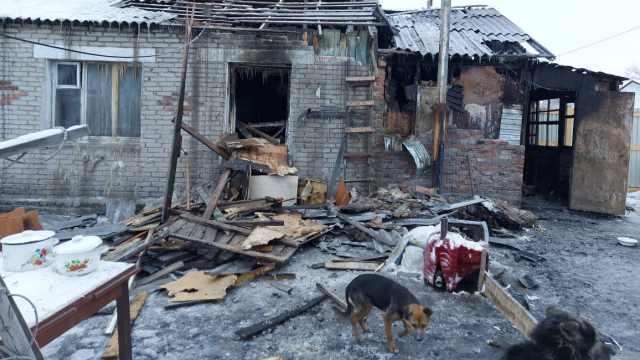 «Выбежали в чём были»: Пожар оставил мать-одиночку без крыши над головой в Костанае