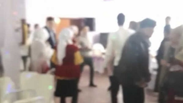 Видео: Свадьбу прервали проверяющие в Рудном