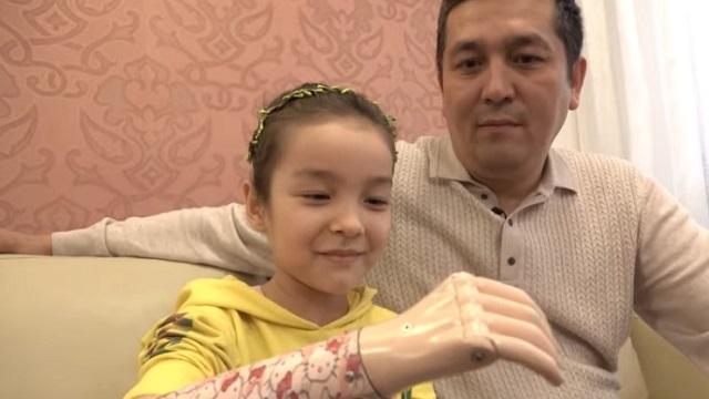 Протез для Хадии: Девочка из Казахстана рассказала о неизвестном благотворителе