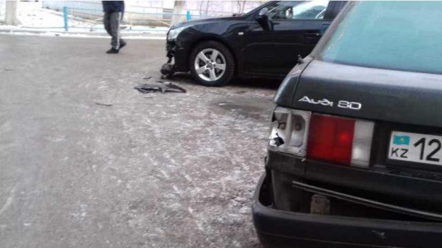 Полиция нашла водителя, который пьяным разбил чужие автомобили на угнанной машине в Костанае