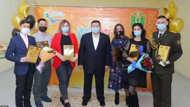 В Рудном чествовали лауреатов «Золотой книги молодежи-2020»