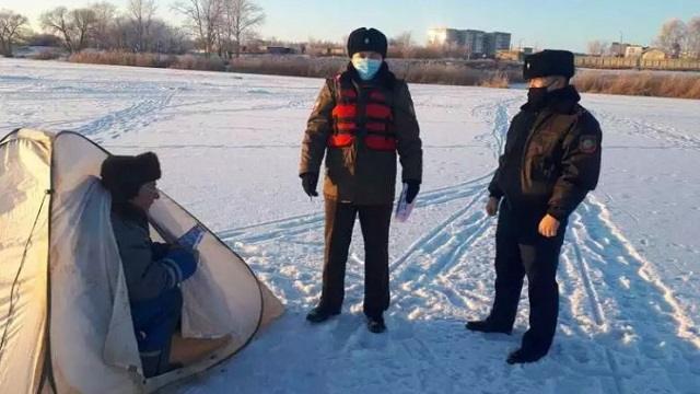 В Рудном напомнили об опасности хождения по льду