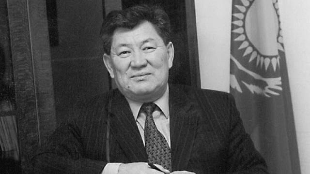 Ушел из жизни бывший аким Усть-Каменогорска и Семипалатинска Амангельды Кажибаев