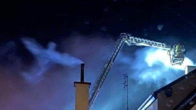 На сделанной во время пожара фотографии разглядели силуэт ангела