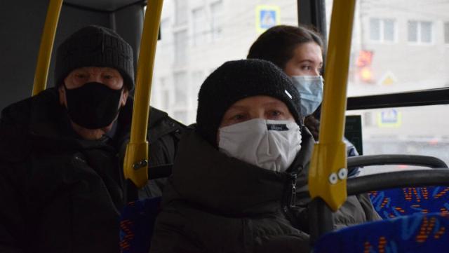 Впереди штрафы: О необходимости ношения маски в автобусах напомнили жителям Костаная
