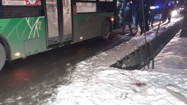 «Насмерть»: Автобус сбил слепого пешехода в Алматы