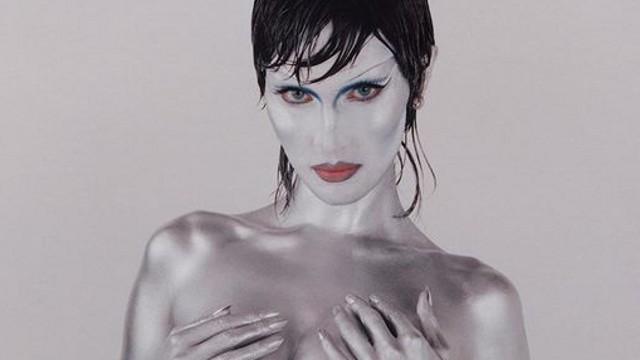 Самая красивая женщина Земли разделась ради образа инопланетянки