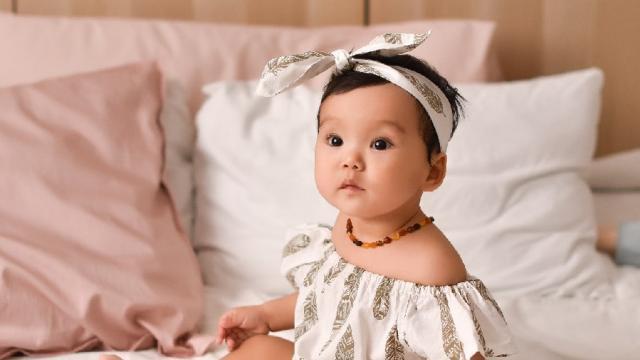 Молодые родители Костаная покупают бусы для младенцев. Зачем?