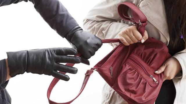 22-летний оболтус вырвал сумку у женщины на улице в Костанае