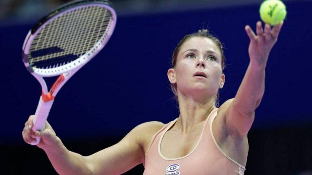 Теннисистка обнажилась и поздравила с Новым 2021 годом