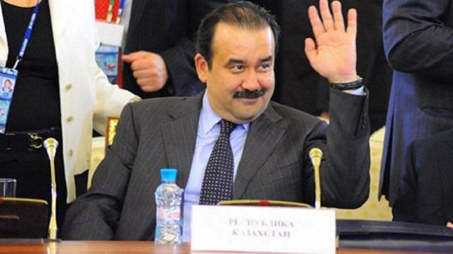 Видео: Курьез произошел на избирательном участке, когда туда пришел Карим Масимов