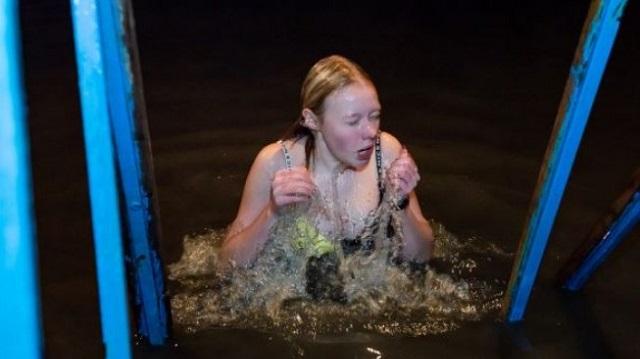 Как проходили крещенские купания в Казахстане