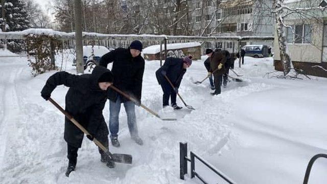 «Премий не дадут»: Глава области отправил чиновников на уборку снега
