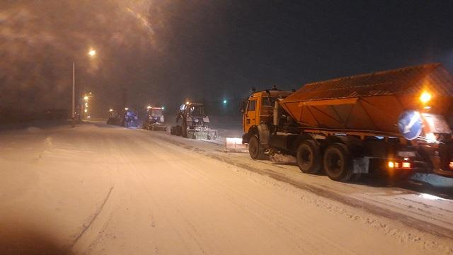 «Такого снегопада…»: Коммунальщики Костаная очищают город от  снега