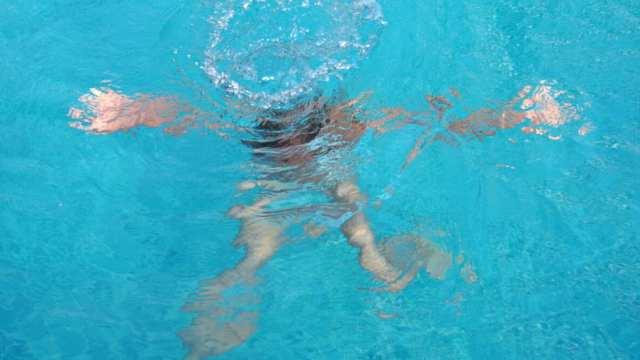 «Разовый абонемент»: Труп девушки нашли на дне бассейна в Нур-Султане