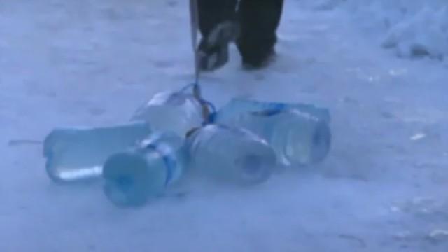 «Крест божий даю»: Казахстанец продаёт «святую воду» по 1000 тенге за литр