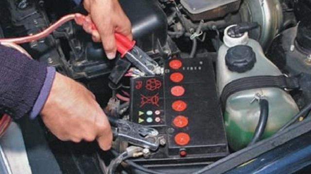 Дети в Костанайской области украли чужой аккумулятор, чтобы покататься на авто родителей