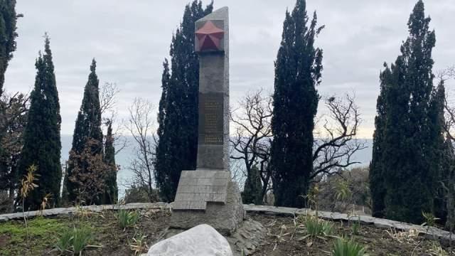 Многоэтажку на месте могил погибших советских солдат и детей хотят построить в Крыму