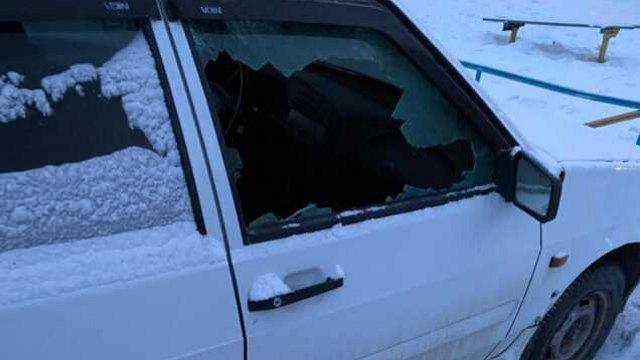 Хулиганы разбили автомобили прямо во дворе Костаная
