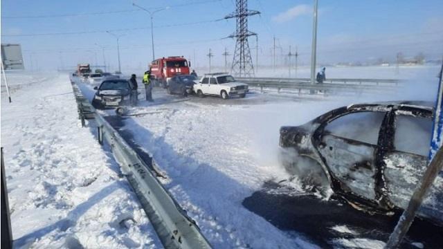 «Загорелось авто»: Массовое ДТП произошло в Акмолинской области
