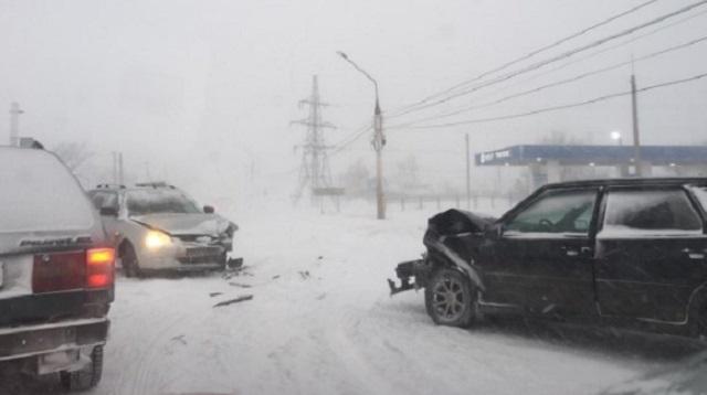 ДТП в Костанае: В условиях нулевой видимости столкнулись два автомобиля