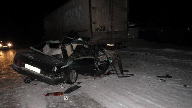 В СКО пьяный водитель ВАЗа столкнулся с фурой: Есть погибший
