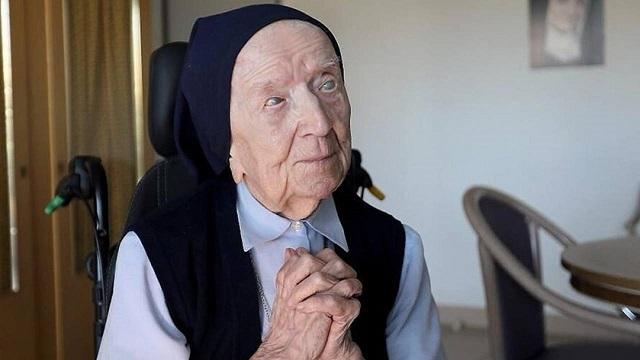 116-летняя женщина победила коронавирус и ждет своего дня рождения