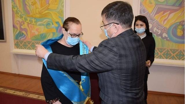 Почётным гражданином Костаная стала главная медсестра облбольницы Екатерина Говорушкина