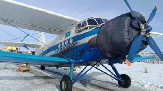 Самолет вынужденно приземлился на трассу в ВКО