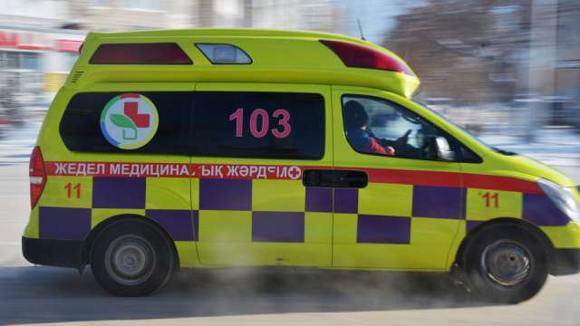 Водители скорой помощи требуют повышения окладов в Казахстане