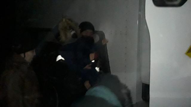 Семь пассажиров с детьми эвакуировали на трассе в Костанайской области