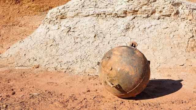 Таинственные металлические шары находят в Казахстане