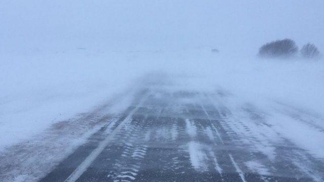 В четырех областях Казахстана закрыты дороги 24 марта