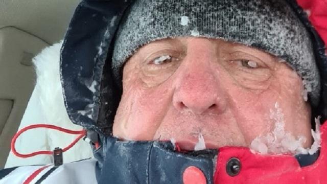 Как житель Костаная провел больше суток в снежном плену на трассе